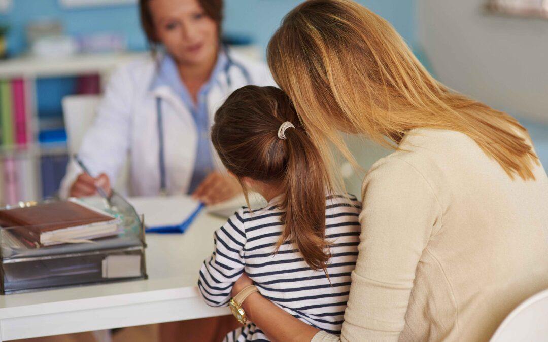 Acompañar a un hijo o familiar al médico no se encuentra dentro de los permisos retribuidos del Estatuto de los Trabajadores